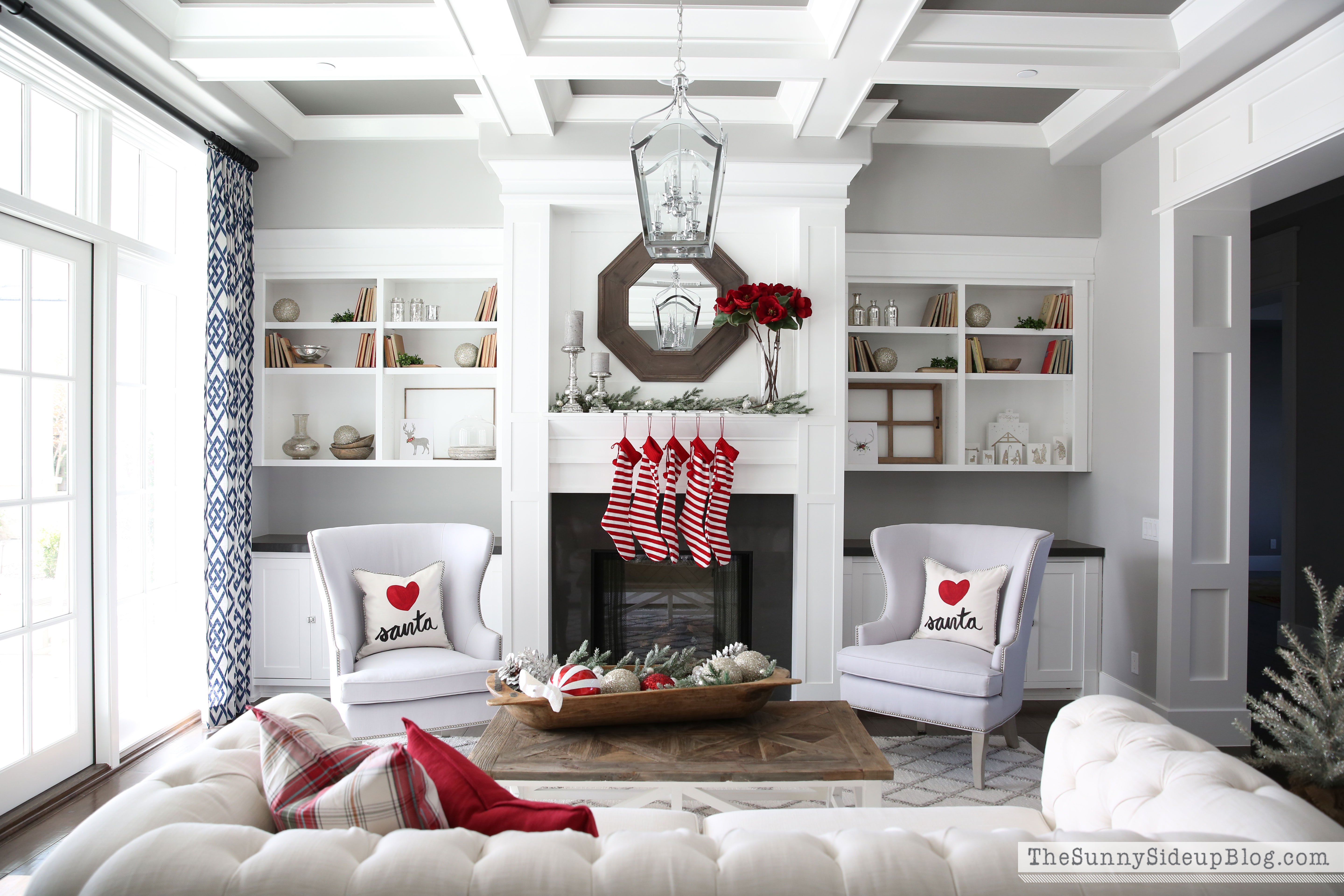formal-living-room-christmas-decor