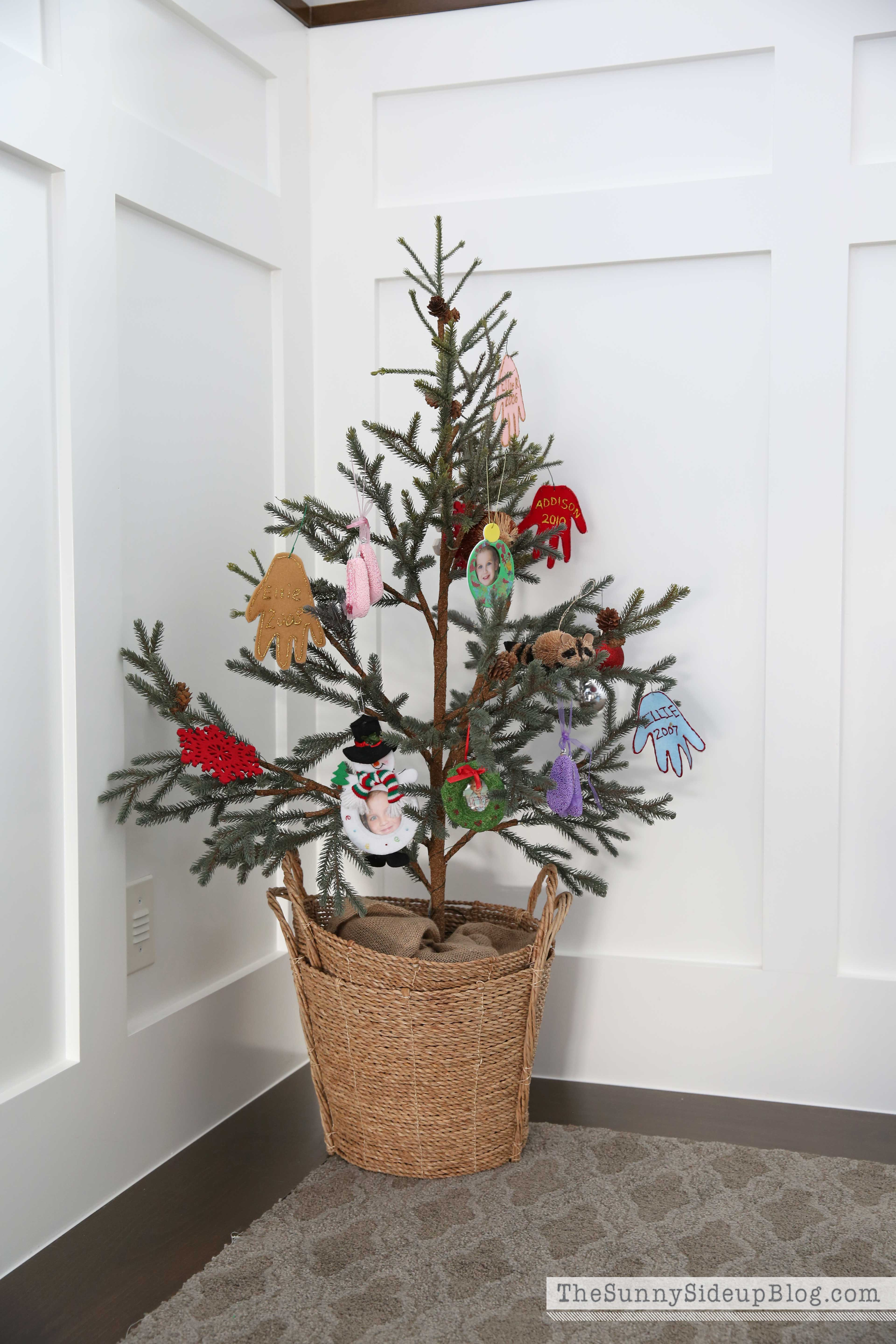 kids-ornament-tree