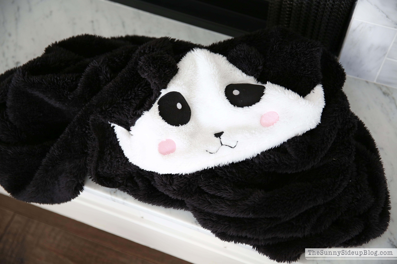 nordstrom-panda-blanket