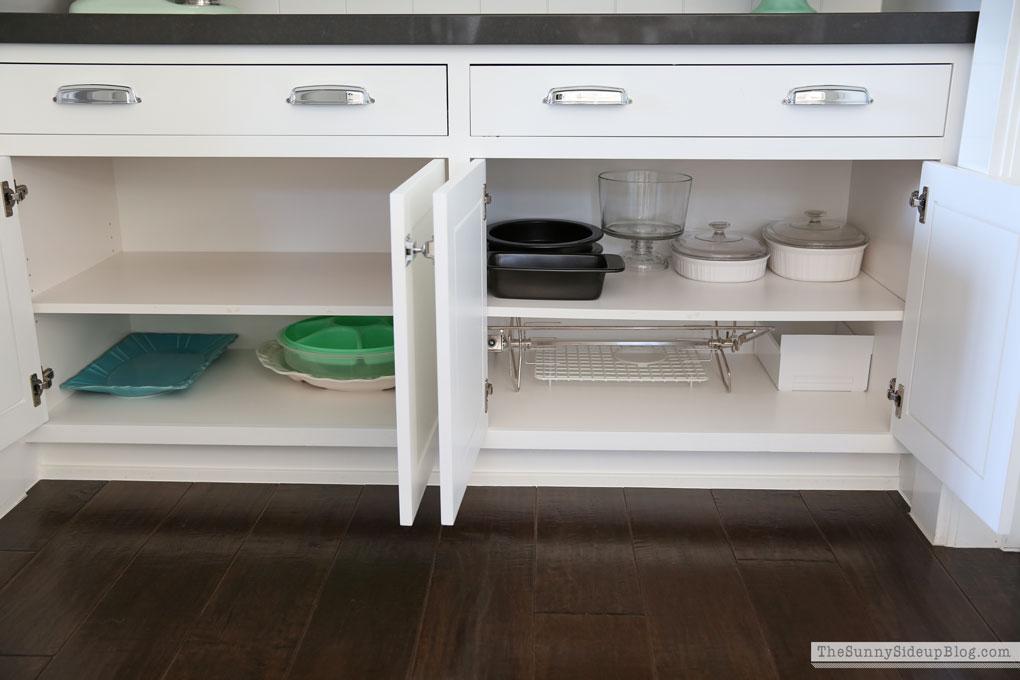 organized-kitchen-cupboards