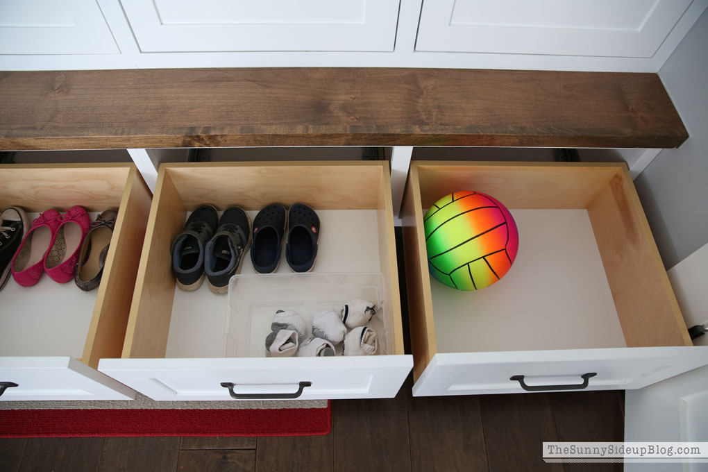 organized-mudroom-21