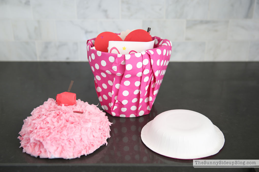 how to make a cupcake valentine 3