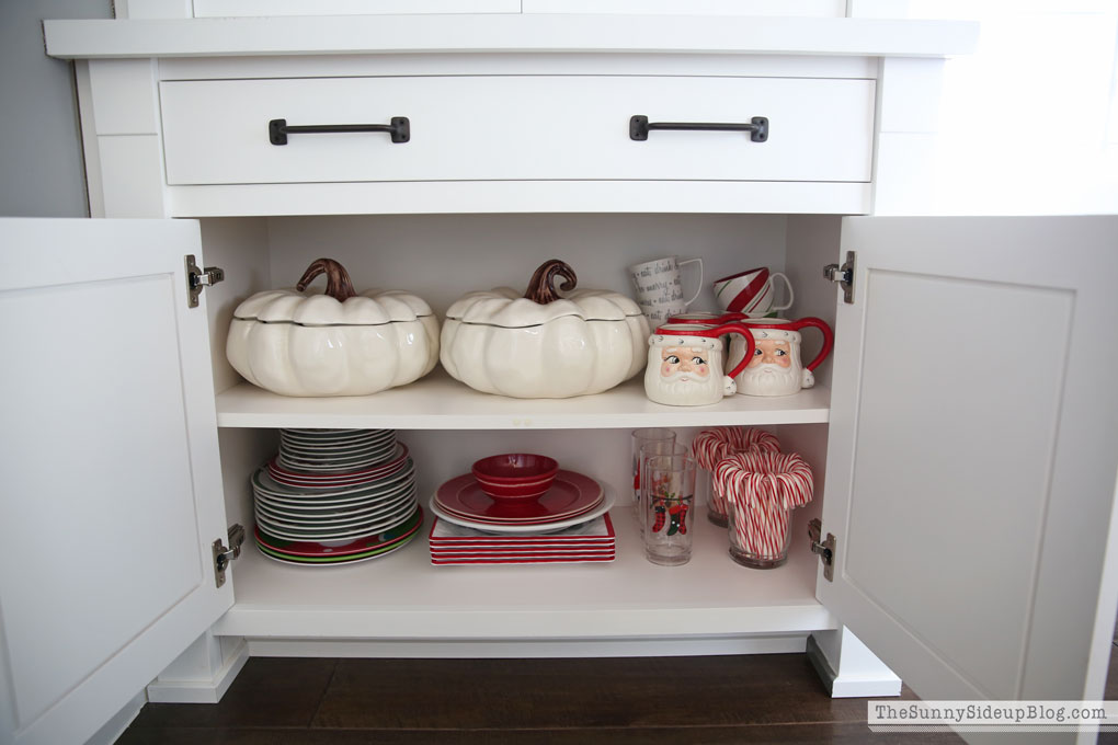organized-dining-room-cupboards-2
