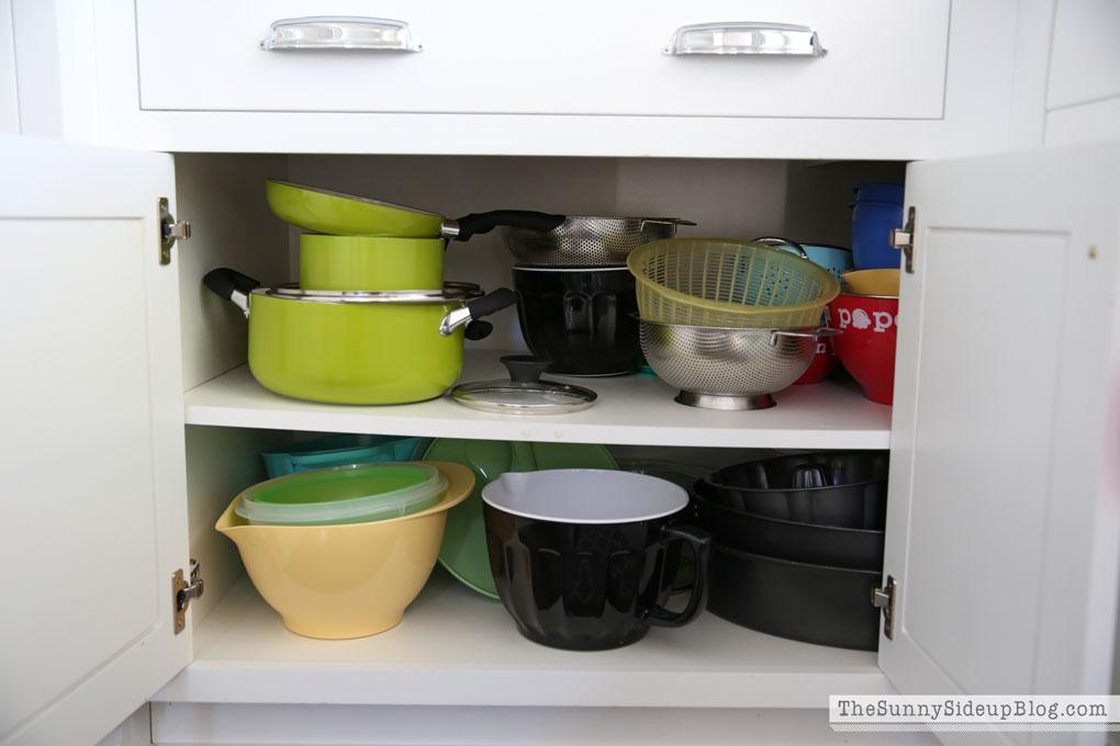 organized-kitchen-cabinets-6