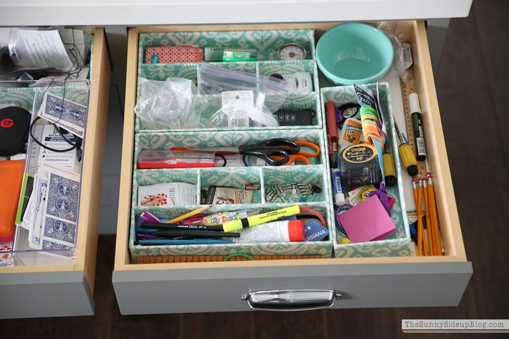 Organized Kitchen Drawers 2