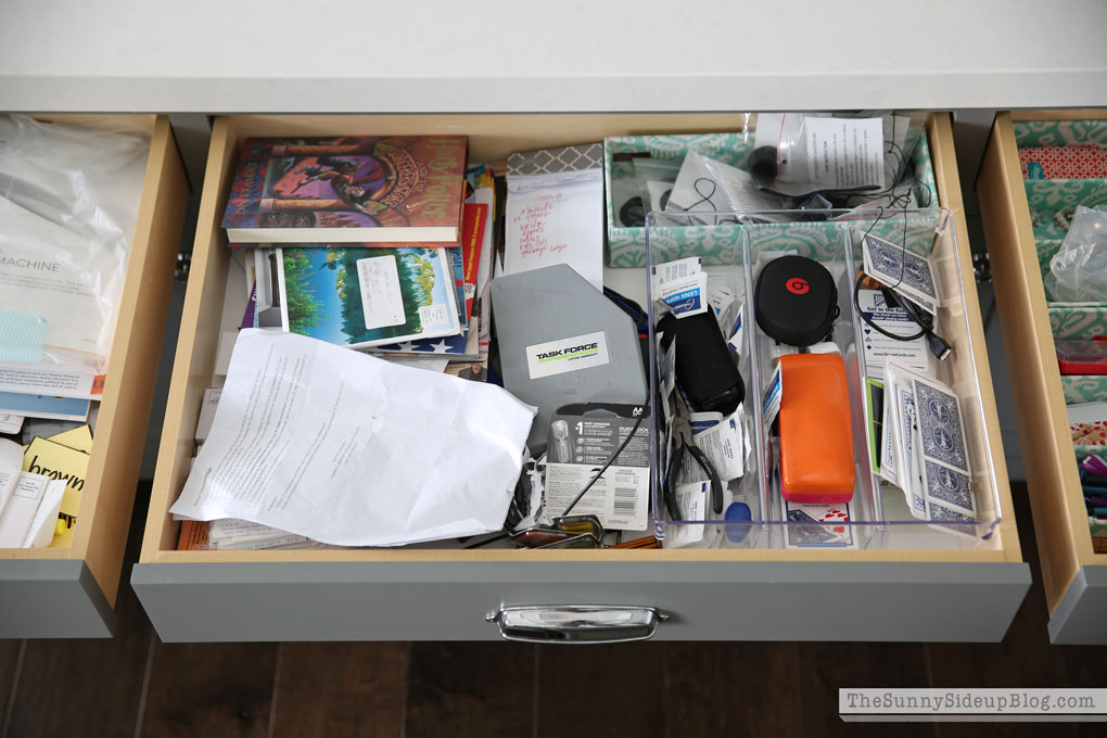 organized-kitchen-drawers