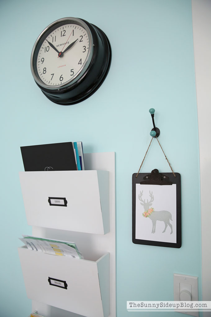 decorated-office-craft-room-8