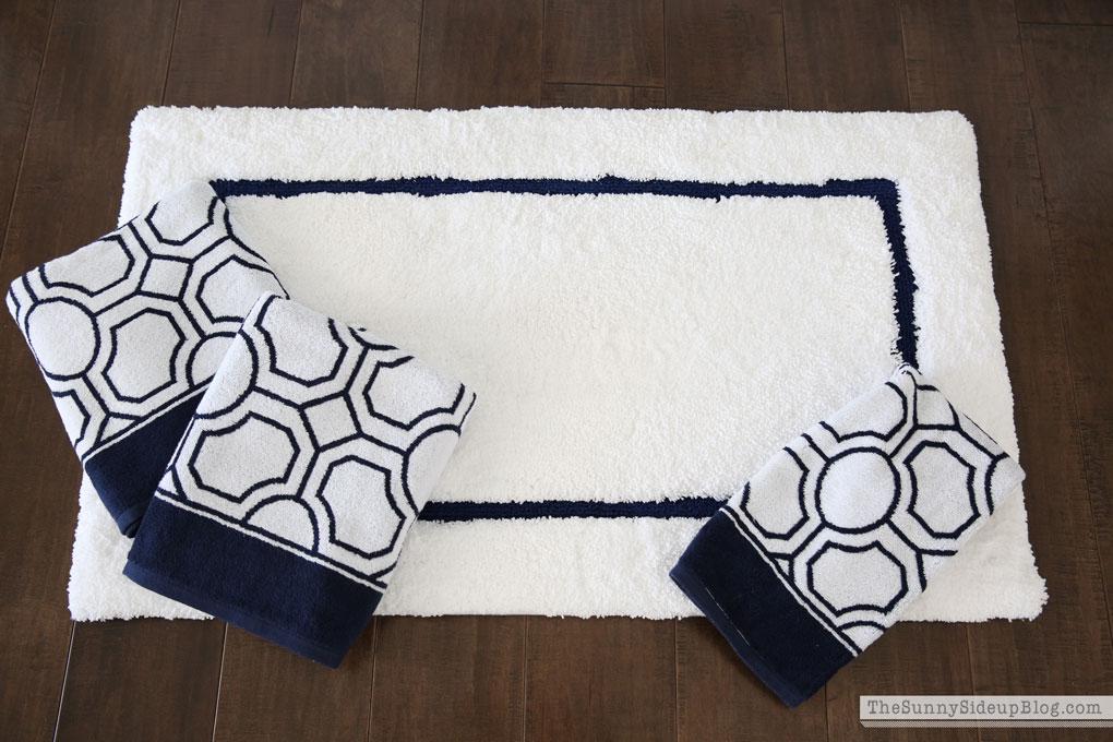 pb-bathroom-rug