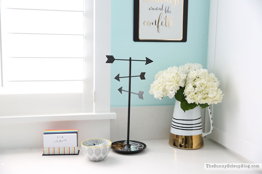 decorated-office-craft-room-12