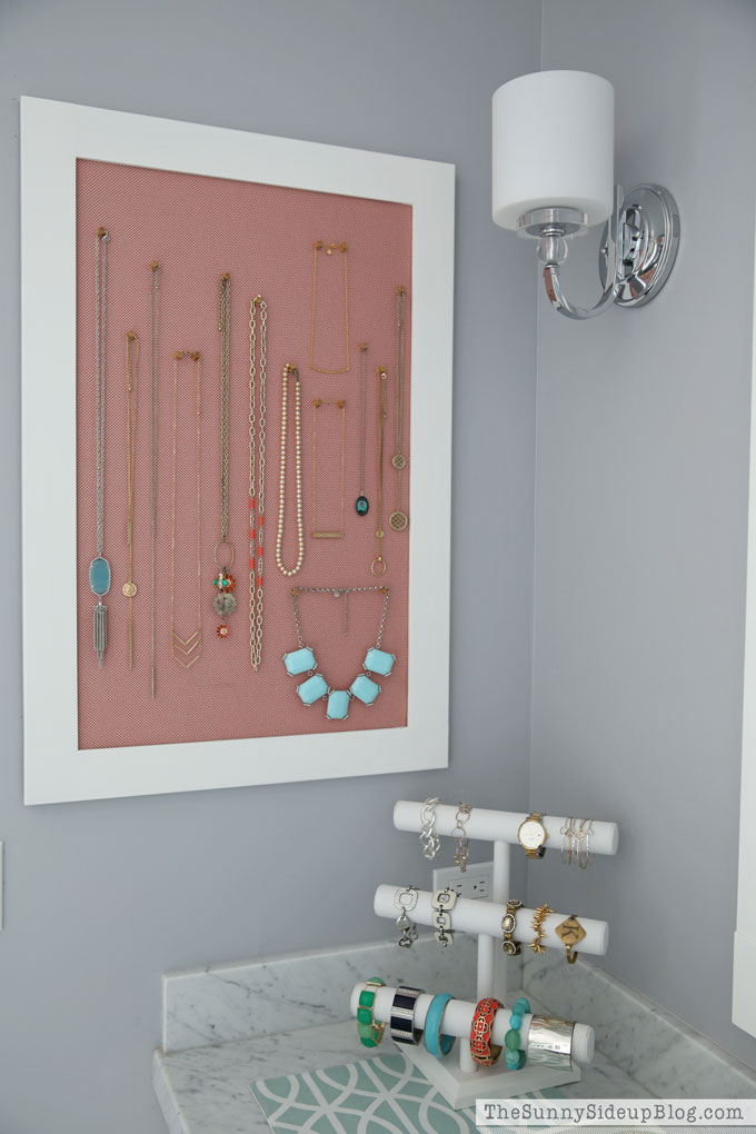 organized-necklace-board