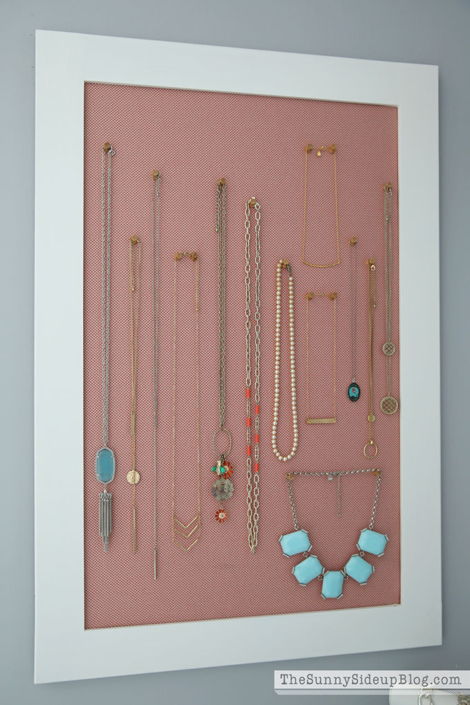 organized-necklaces