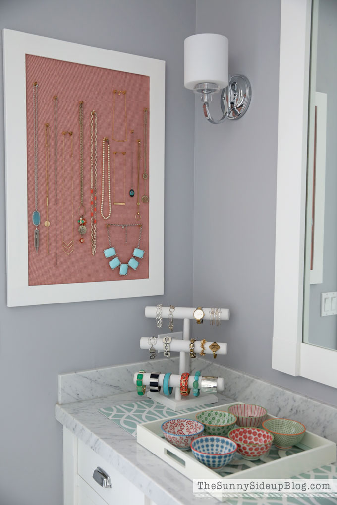 organizing-necklaces