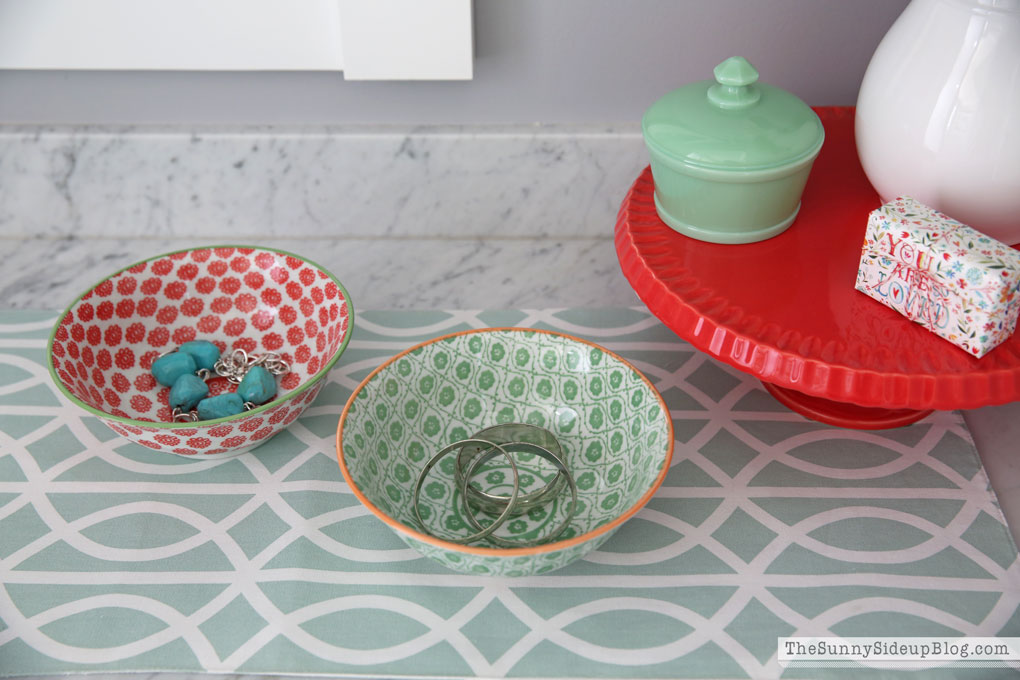 organizing-with-bowls