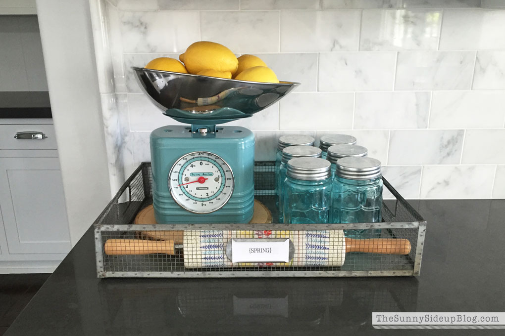 retro-kitchen-scale