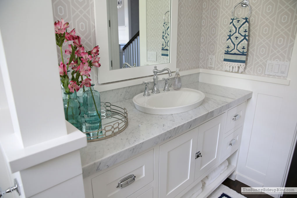 craftsman-coastal-bathroom