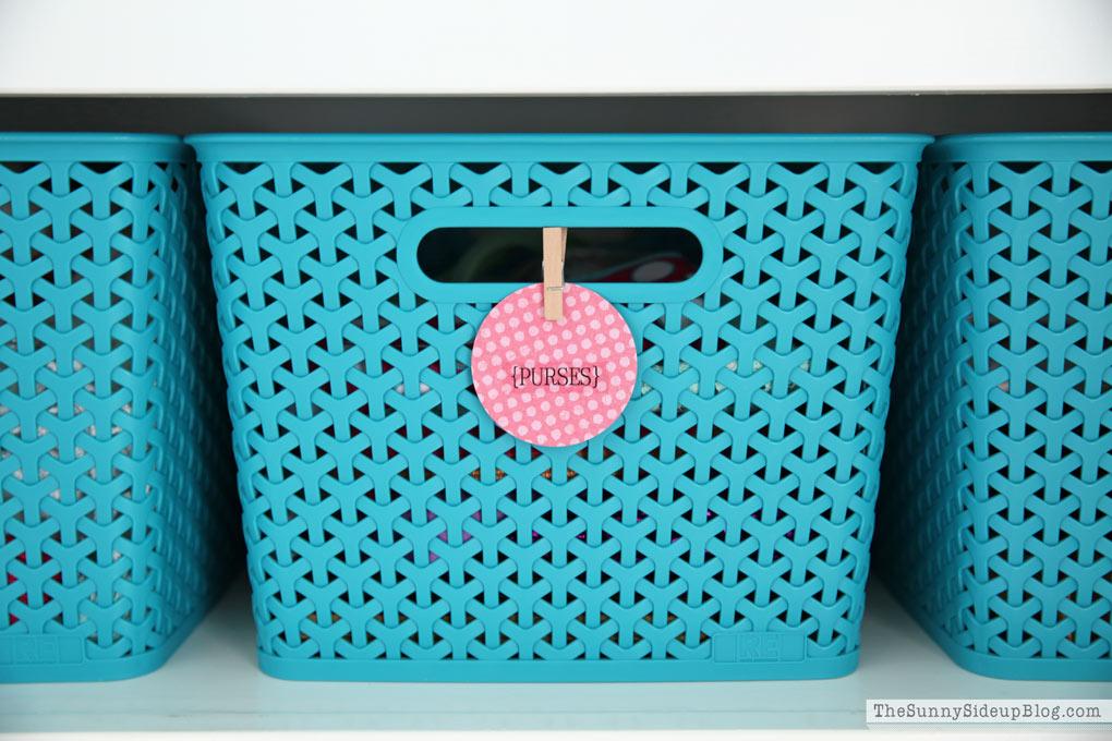 organize-closet-baskets