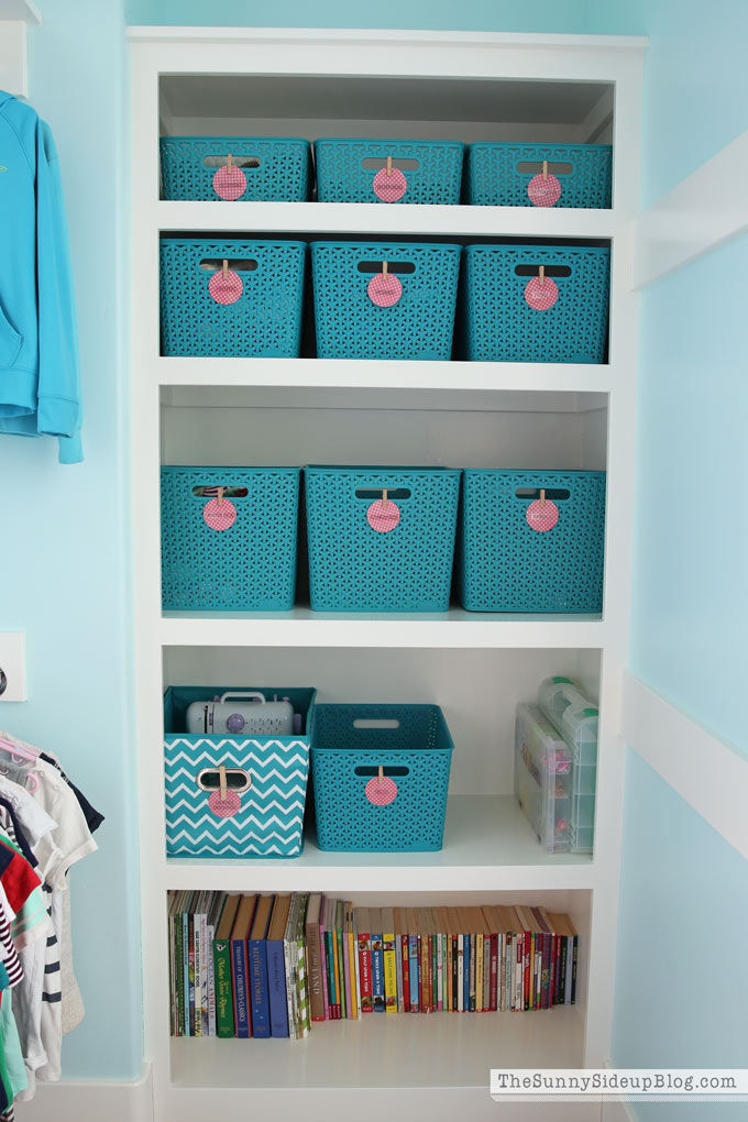 organized-closet-bins