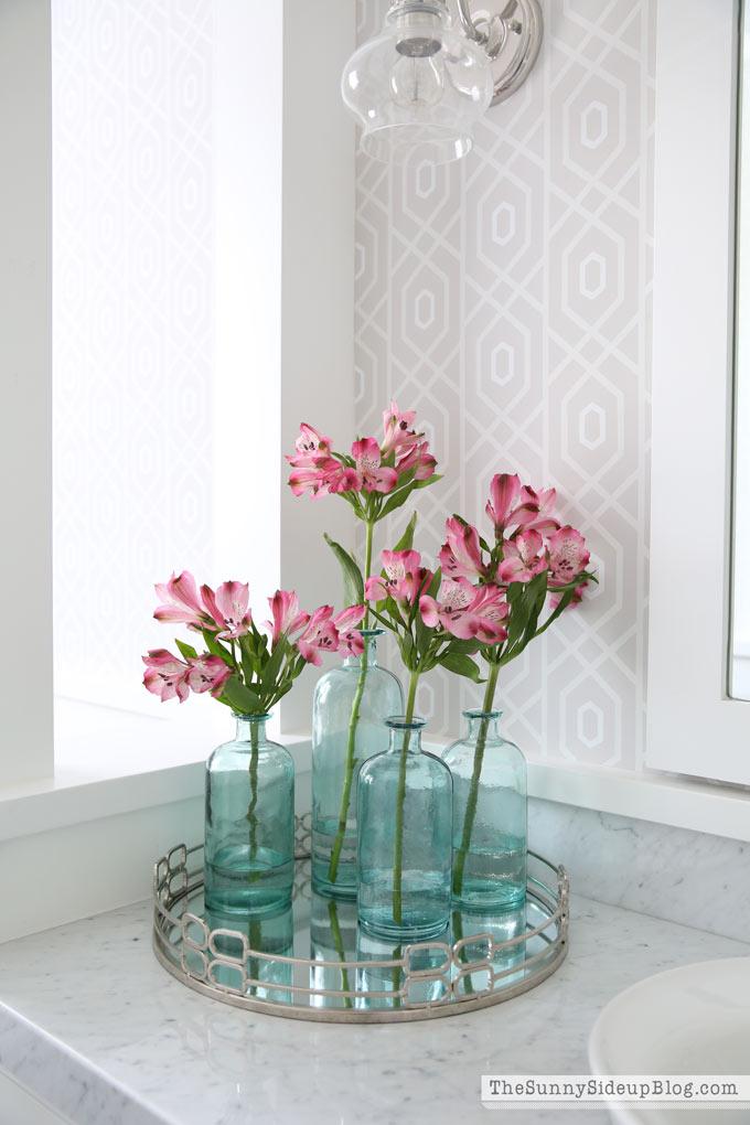 pink-flowers-blue-vases