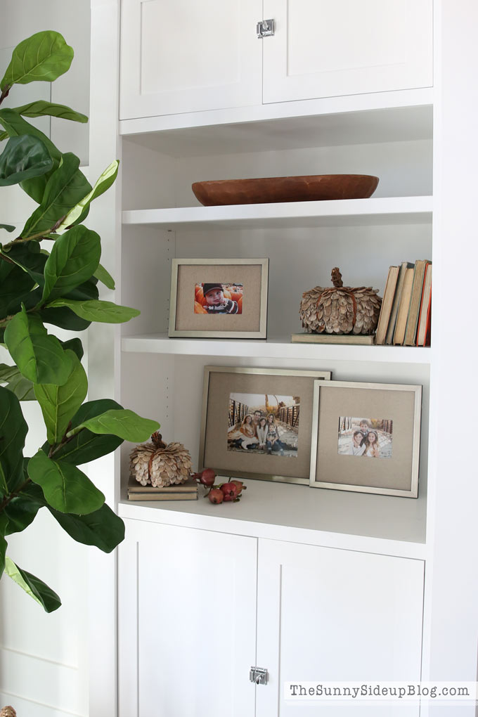 decorating-for-fall-with-pictures
