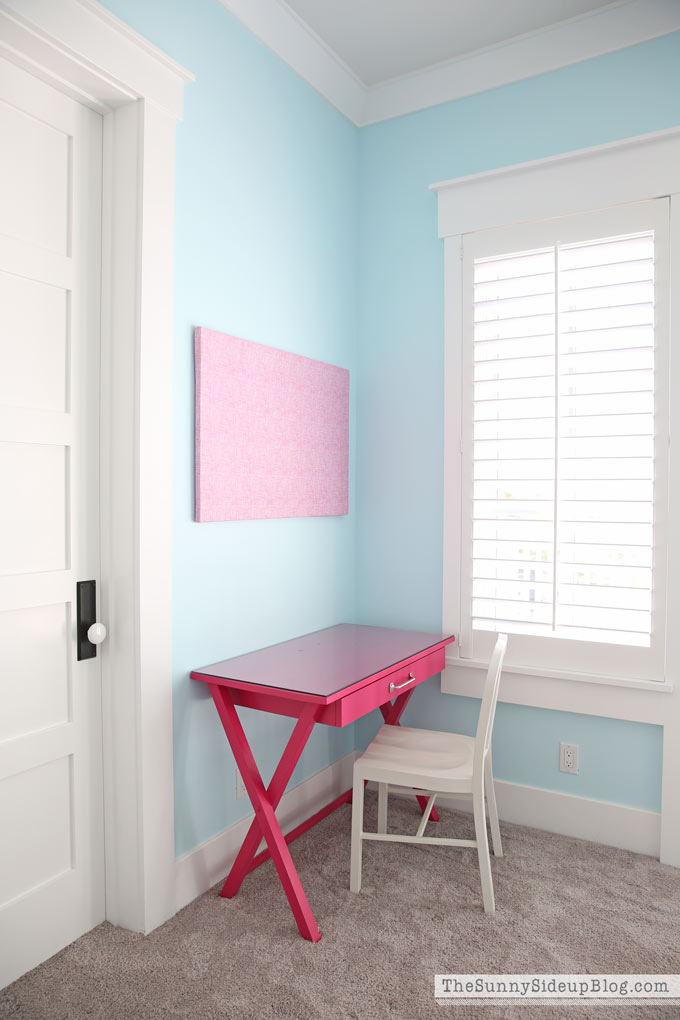 Girls' Bedroom Desks