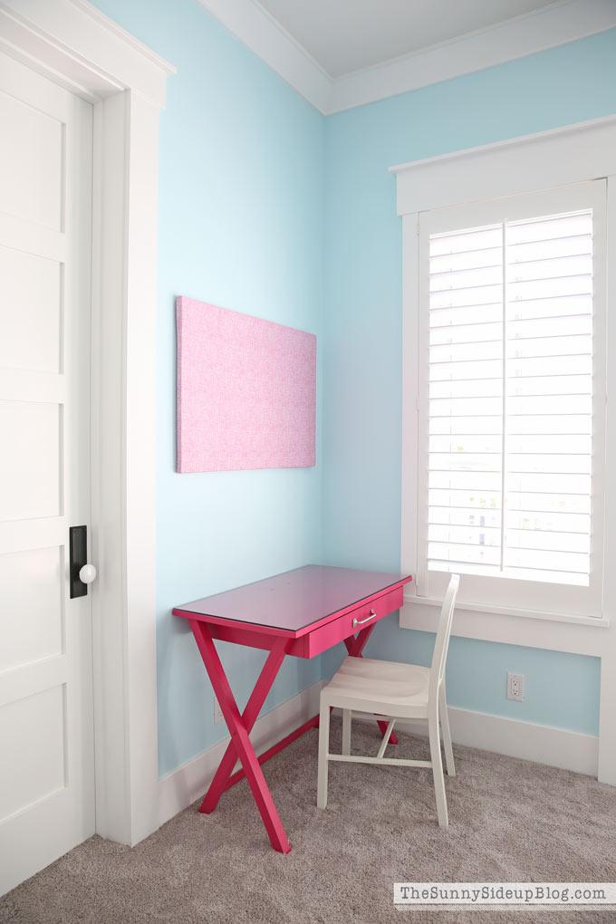 Girls' Bedroom Desks