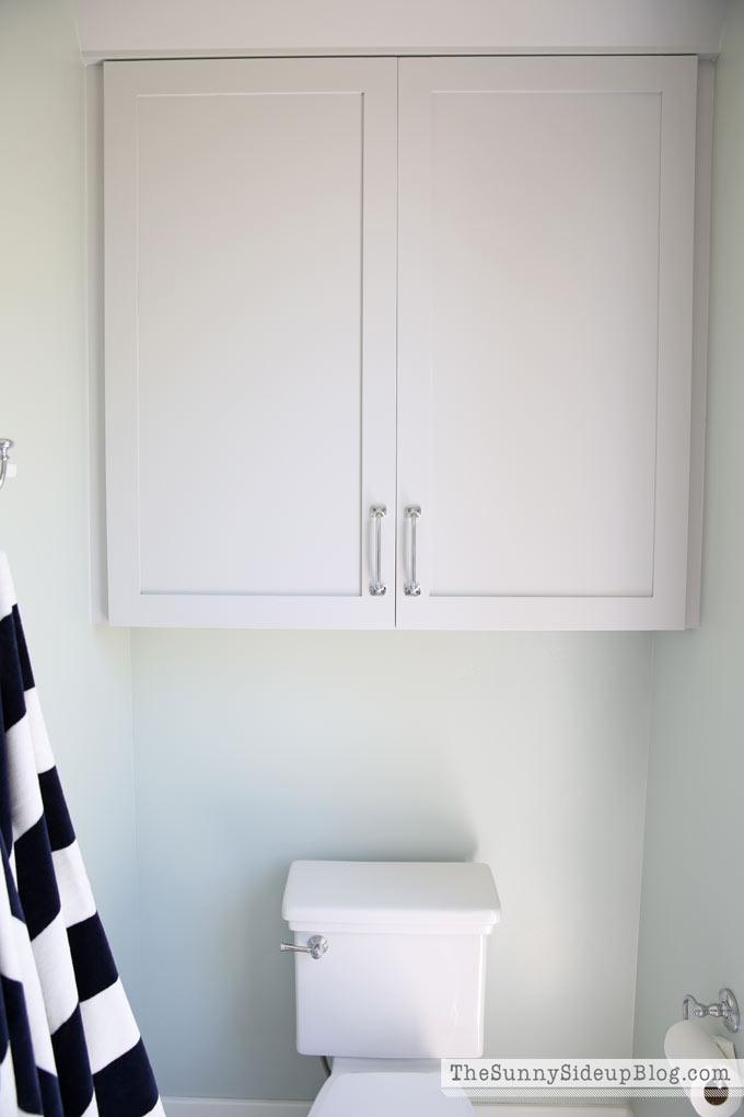 outdoor-pool-bathroom-cabinet