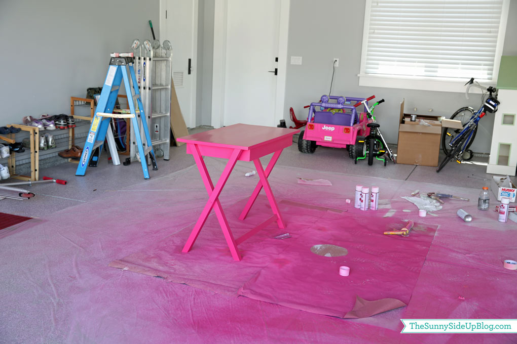 painting-a-pink-desk