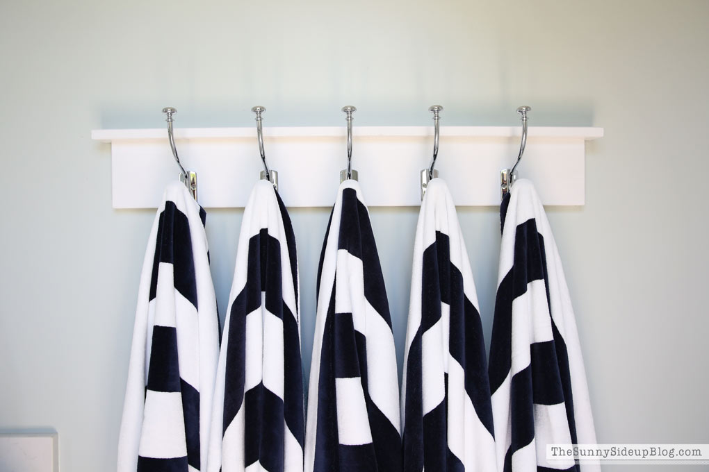 pottery-barn-striped-towels