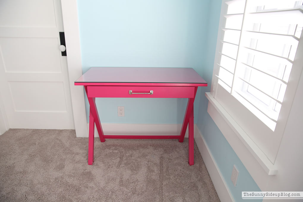 teen bedroom desk Girls  Bedroom Desks The Sunny Side Up Blog