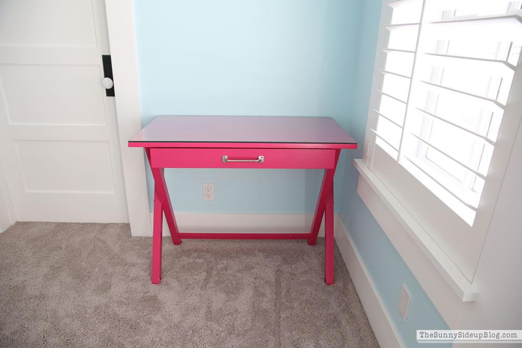 Girls 39 Bedroom Desks The Sunny Side Up Blog