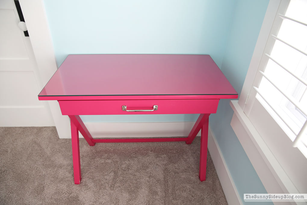Teen Pink Bedroom Desk