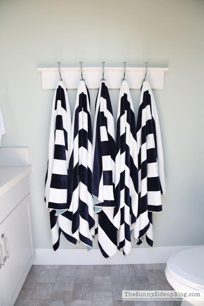 towel-bathroom-hooks