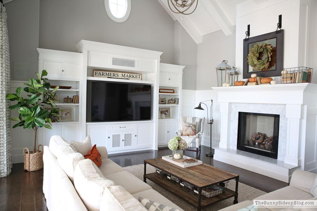 white-built-ins