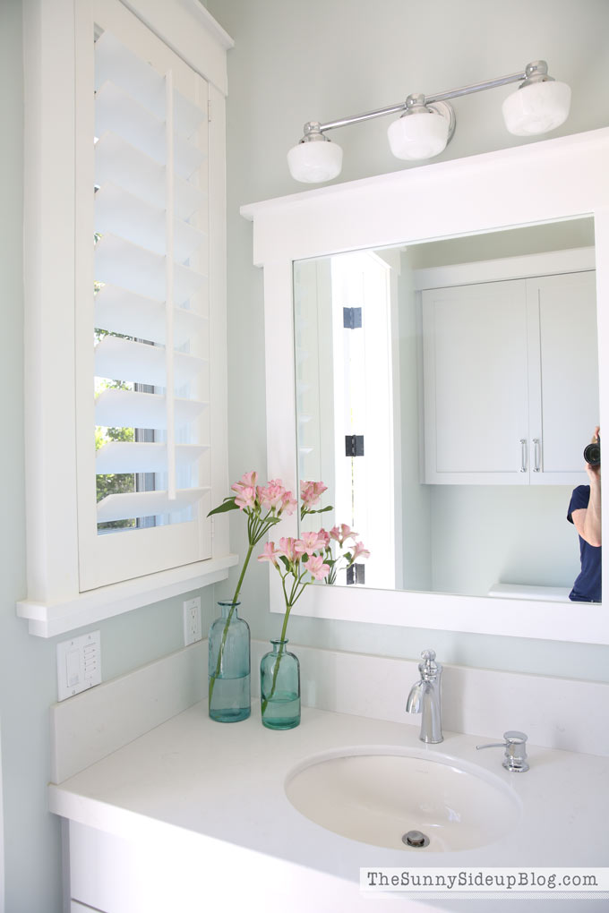 white-framed-bathroom-mirror