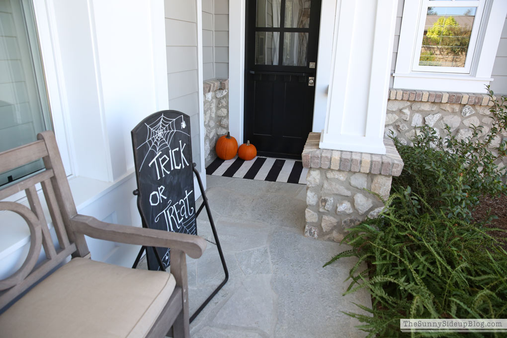 black-and-white-halloween-porch