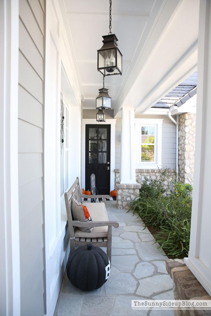 black-hanging-porch-lanterns