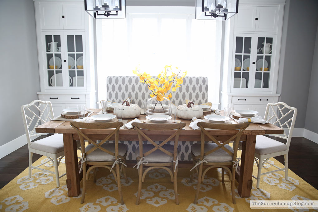 farmhouse-table-and-chairs