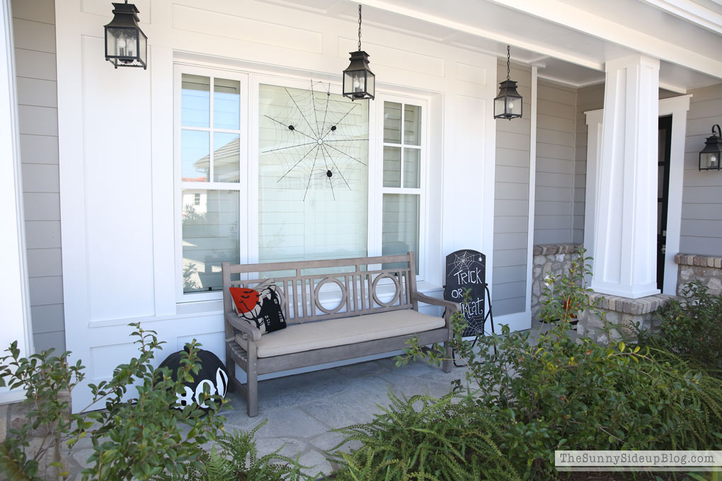 halloween-inspired-porch