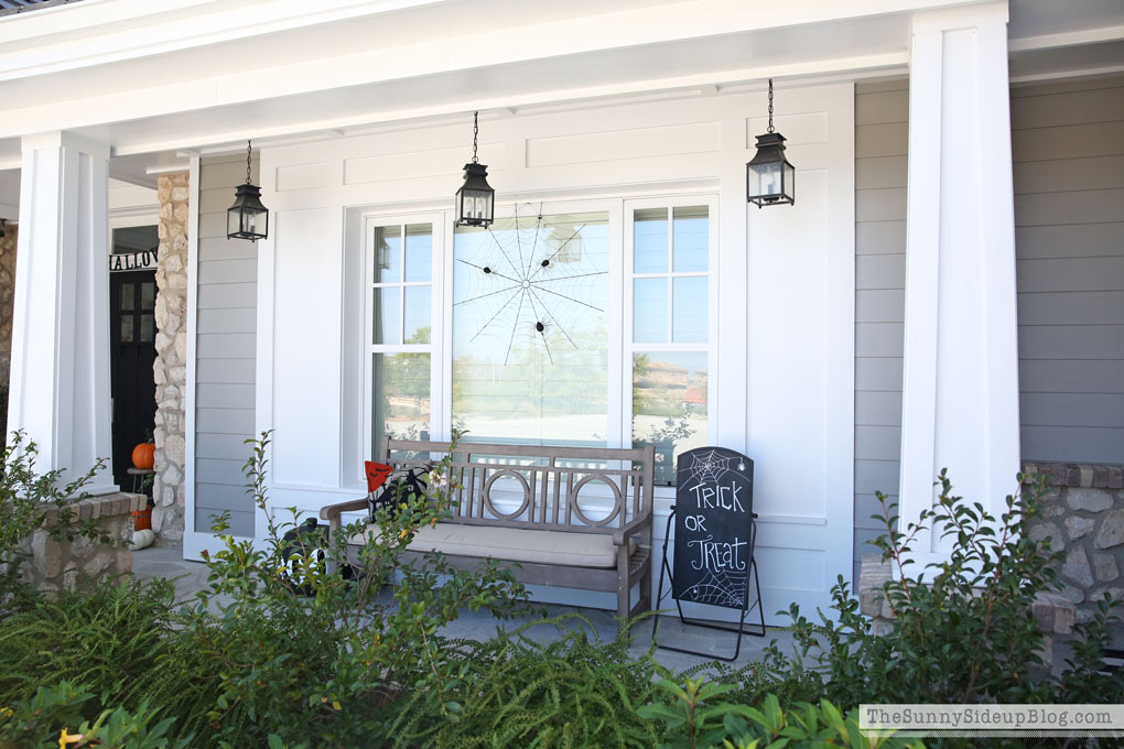 halloween-on-the-front-porch