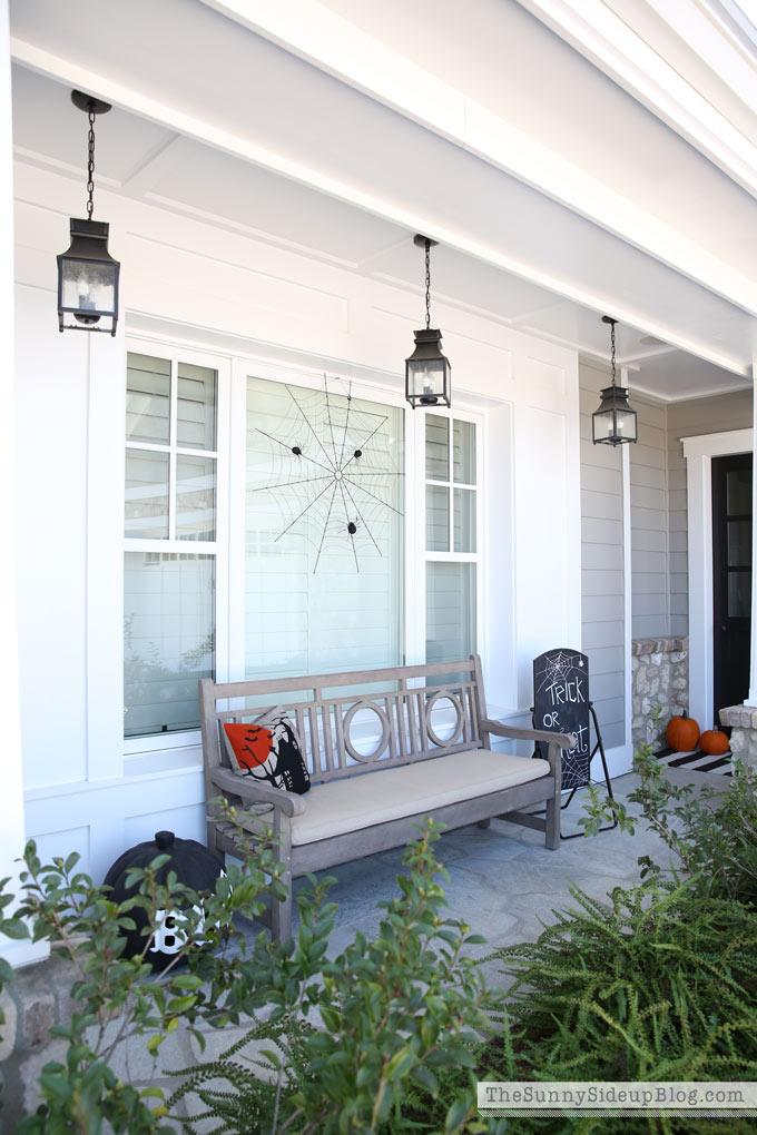 halloween-porch-bench