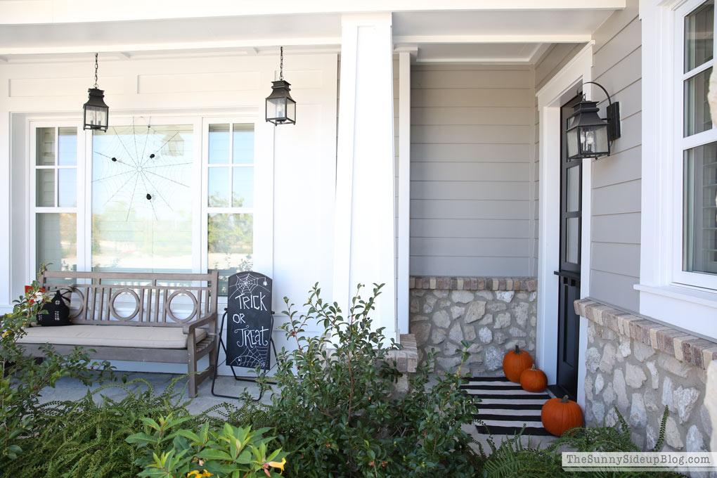 white-craftsman-porch