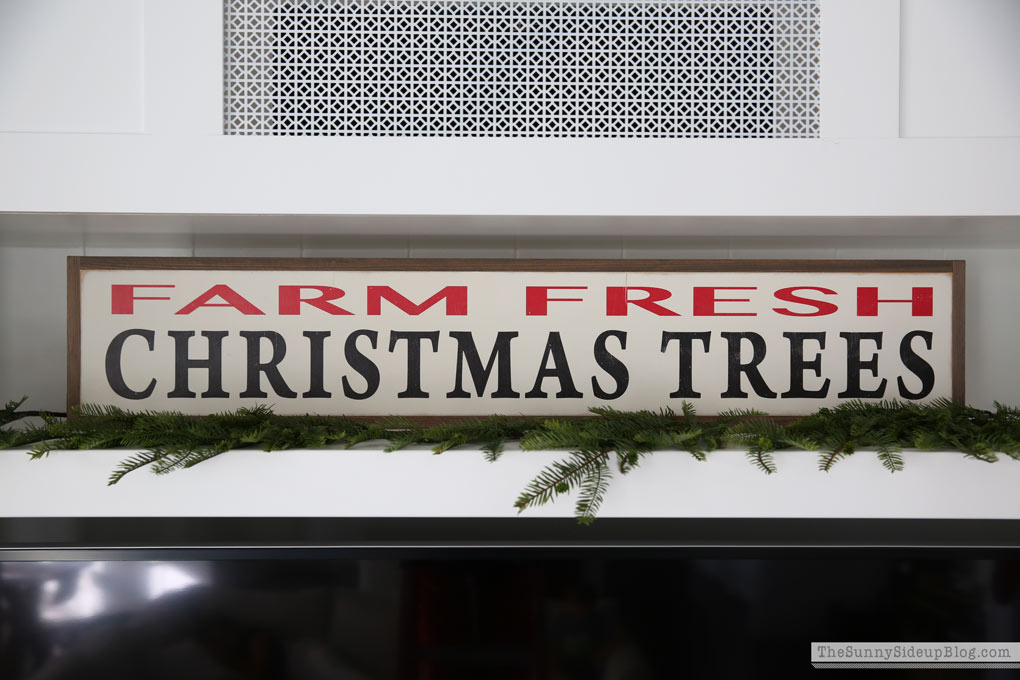 farm-fresh-christmas-tree-sign