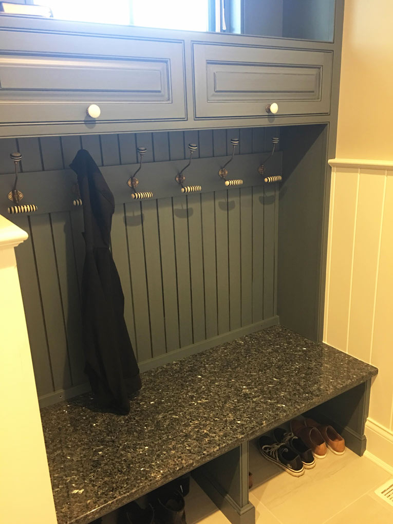 gray-mudroom-bench
