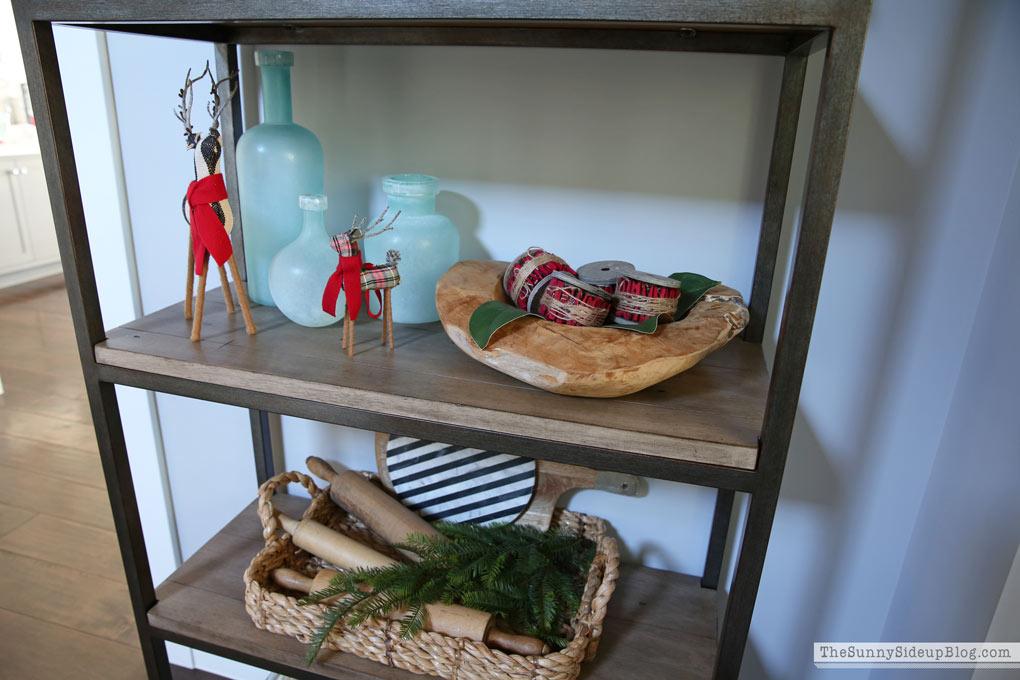 christmas-shelf-decor-sunny-side-up