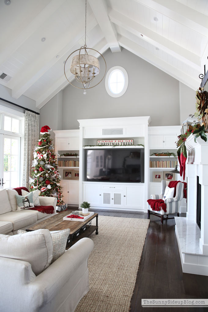 christmas-family-room-sunny-side-up