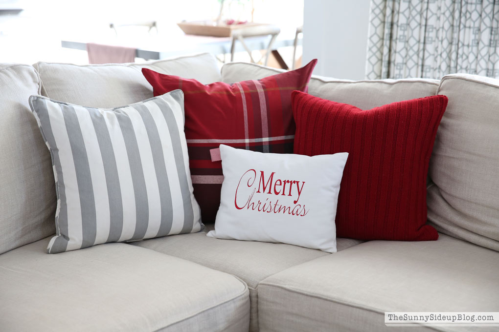 christmas-pillows-sunny-side-up
