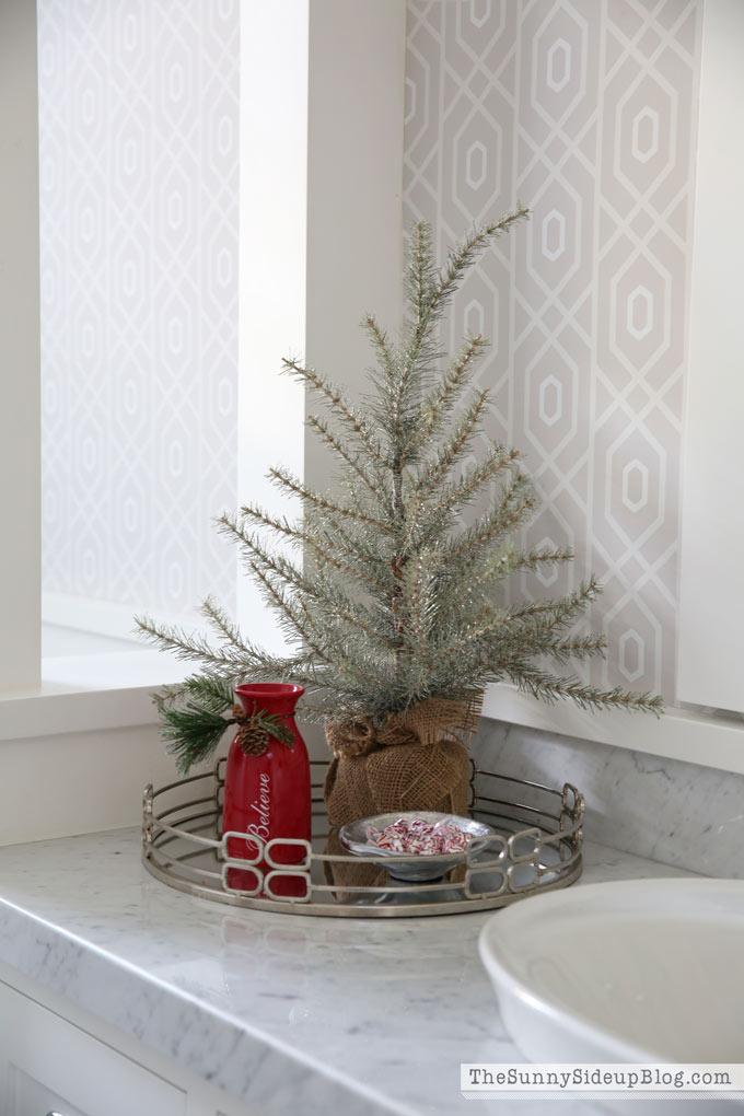 christmas-powder-bathroom-4