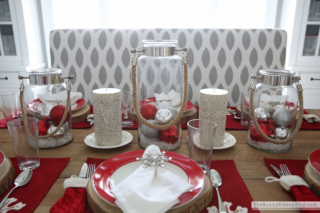 christmas-snowflake-tablescape