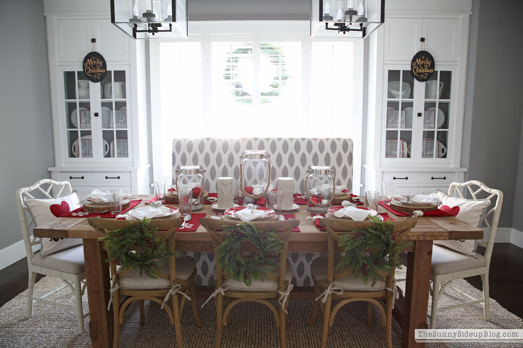 christmas-table-and-built-ins-sunny-side-up