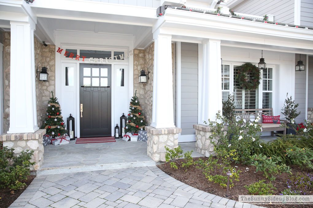 craftsman-christmas-porch-decor